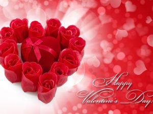 Red roses and a heart-shaped box for to gift in the Valentine's Day