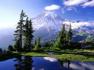 A hidden lake in Mount Rainier National Park, Washington