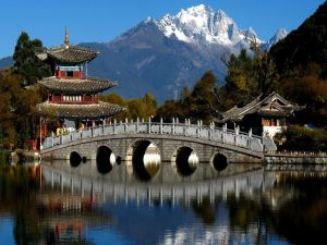 Stone bridge in the old town of Lijiang, China