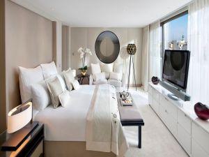 A modern bedroom