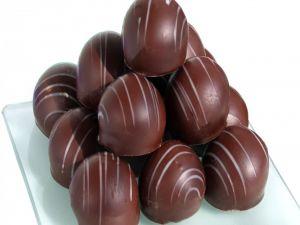 Pyramid of bonbons