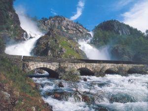 Twin waterfalls falling over the mountainside