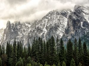 Snowy mountains in Yosemite National Park, California