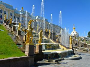 Peterhof Palace and the Grand Cascade (Saint Petersburg, Russia)