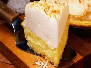 Cake of cream and custard