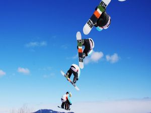 Flying with a snowboard
