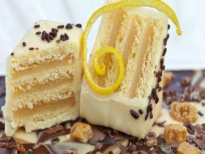 Lemon and chocolate cake