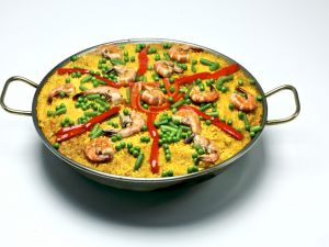 Paella with prawns and vegetables