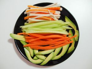 Vegetables cut to prepare makis