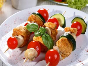 Skewers of zucchini and chicken