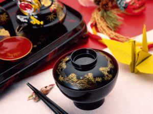 Fine oriental dinnerware