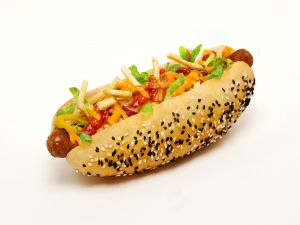 Hot dog with chips and seed bread
