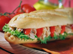 Baguette with tuna and peppers