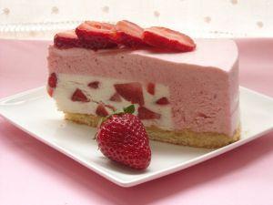 Strawberries cake