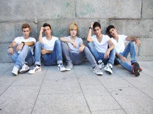 The boys of Auryn with white t-shirt and jeans