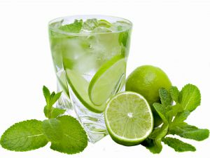 Drink with spearmint and lime