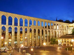 Night at the Aqueduct of Segovia (Spain)