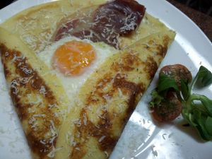 Crepe with egg and cheese