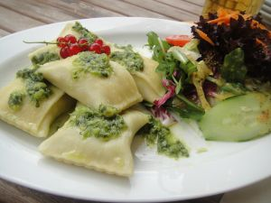 Ravioli with pesto sauce