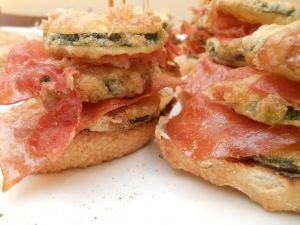 Tapas of zucchini and serrano ham