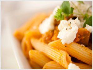 Macaroni with tomato and ricotta