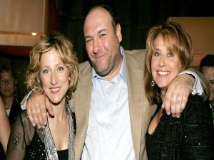 "James Gandolfini, with his wife and psychiatrist in the series ""The Sopranos"""
