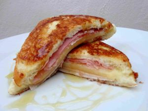 Sandwich with ham and cheese with a sweet touch of honey