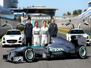 Mercedes GP team (2013), with the drivers Lewis Hamilton and Nico Rosberg