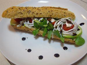 Vegetable bocadillo with gulas