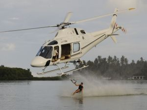 Waterskiing with helicopter
