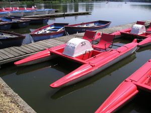 Pedal boat tandems