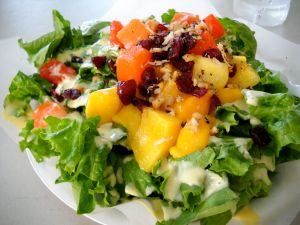 Salad of lettuce and fruits
