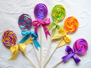 Lollipops with colored ribbons