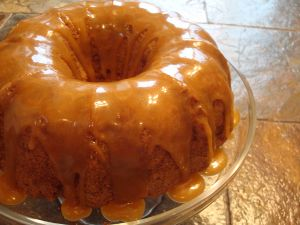 Bundt cake with toffee sauce