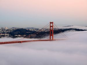 Golden Gate Bridge (San Francisco) covered by fog