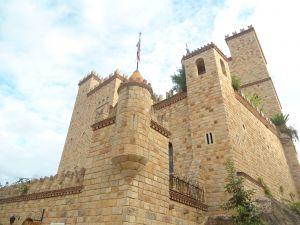 Castle Lamas