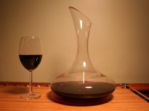 Decanter to aerate the wine