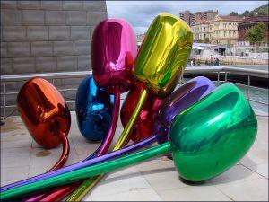 Tulips by Jeff Koons (Guggenheim Museum Bilbao, Spain)