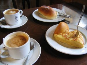 Coffee, potato omelette and buns