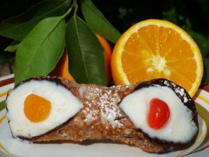 Cannoli with mascarpone cheese and orange