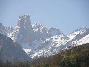 Naranjo de Bulnes, also known as Picu Urriellu