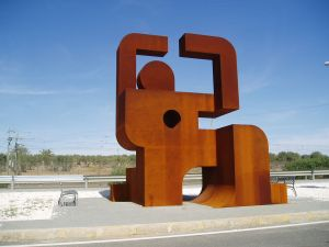 "Memorial to the political prisoners who built the ""Canal del Bajo Guadalquivir"""