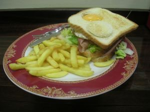 Mixed sandwich with egg