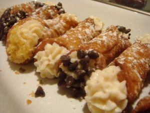 Mini cannoli with chocolate chips