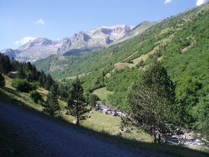 Estós Valley (Pyrenees, Spain)
