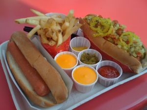 Tray with hot dogs, chips and sauces