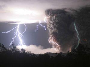 Lightnings over a volcano