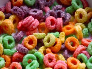 Colored corn rings with milk