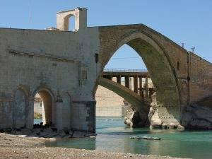 Bridge of Malabadi over the Batman river (Turkey)