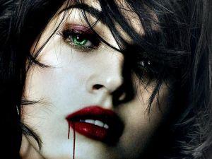 Green eyed vampiress